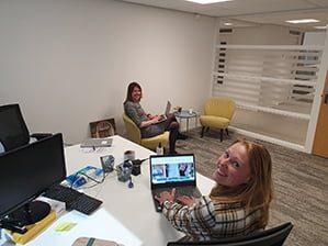Wendy en Marcia in Huis voor de Stad